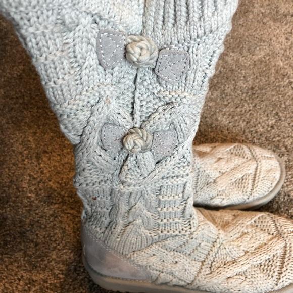f707978ab7d Ugg Kalla sweater boots!